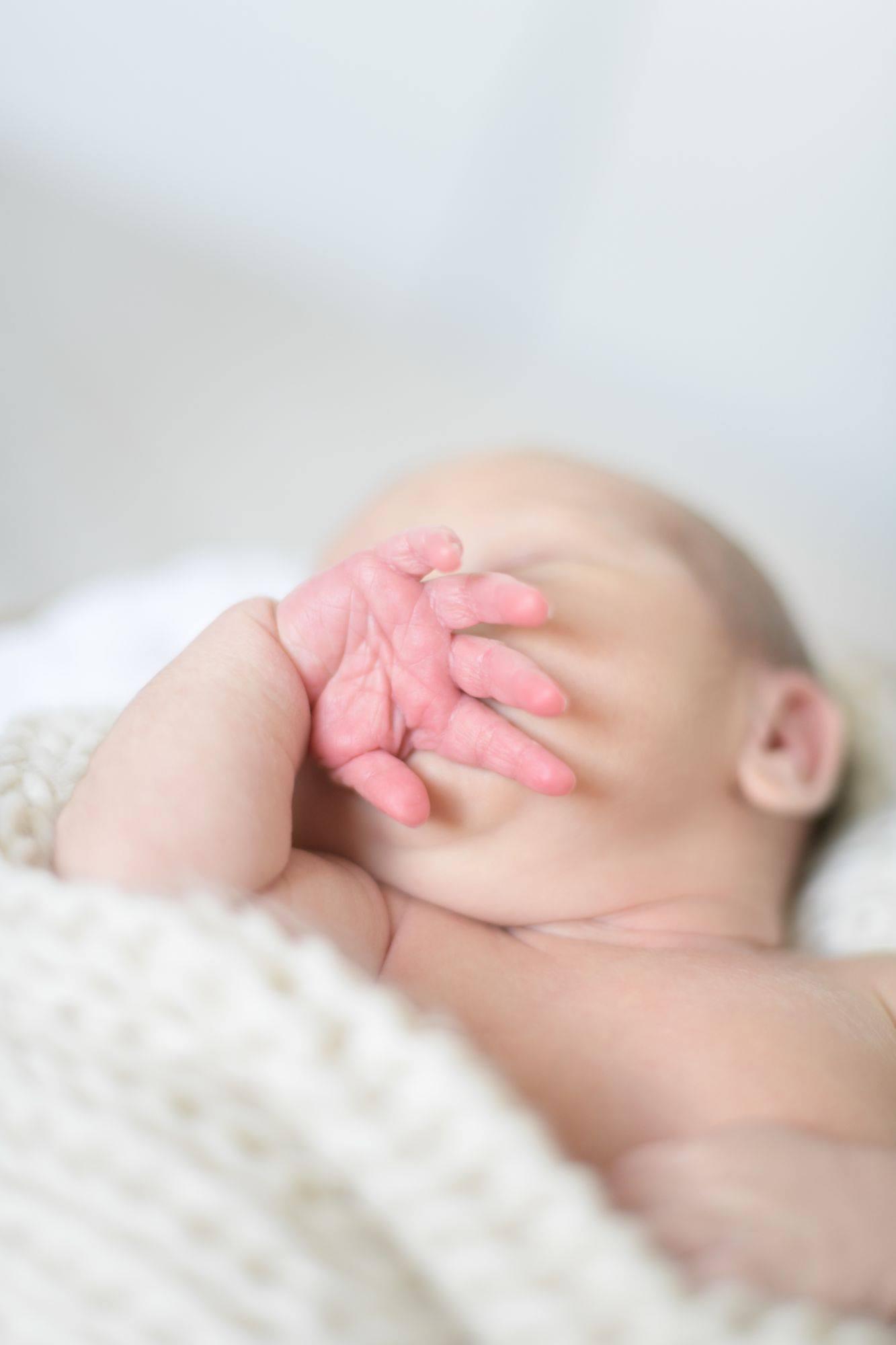 priscillapuzenat-photographe-portrait-famille-naissance-maternite-bebe-charbuy-yonne-bourgogne-france